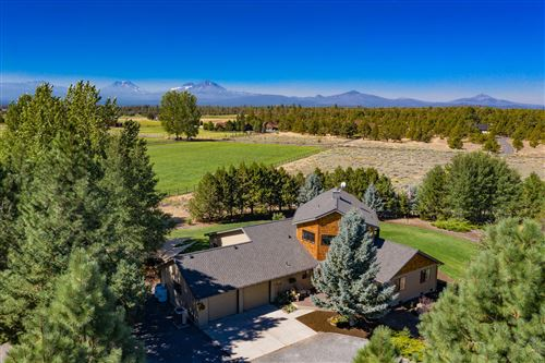 Photo of 69370 Scimitar Lane, Sisters, OR 97759 (MLS # 220108382)