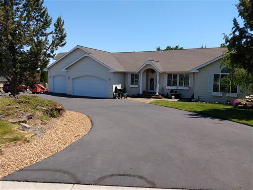 Photo of 3722 SW Tommy Armour Lane, Redmond, OR 97756 (MLS # 220124384)
