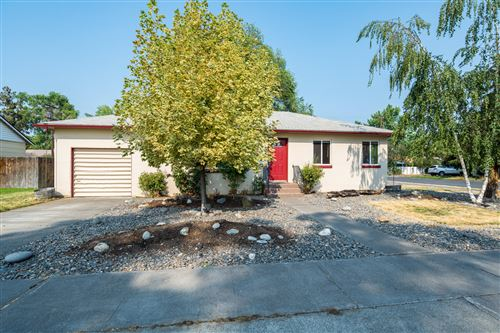 Photo of 653 NW 8th Street, Redmond, OR 97756 (MLS # 220128387)