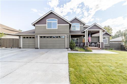 Photo of 3738 SW 35th Place, Redmond, OR 97756 (MLS # 220109389)