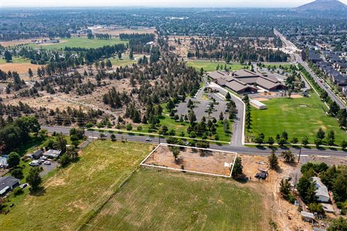 Photo of 21030 Yeoman Road, Bend, OR 97701 (MLS # 220128393)