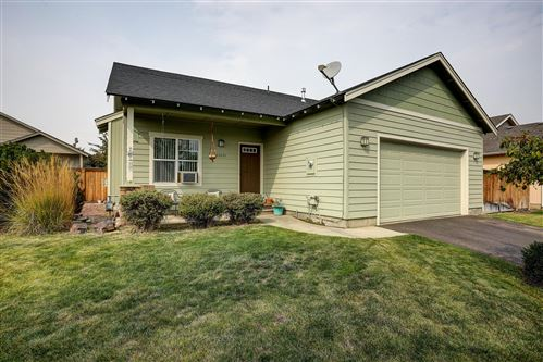 Photo of 63737 Hunters Circle, Bend, OR 97701 (MLS # 220109400)