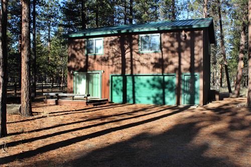 Photo of 69285 Stetson, Sisters, OR 97759 (MLS # 220115401)