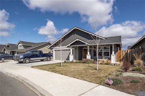 Photo of 453 NE Oak Place, Redmond, OR 97756 (MLS # 220120405)