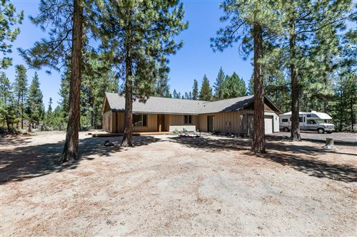 Photo of 327 Chapman Street, Gilchrist, OR 97737 (MLS # 220105428)
