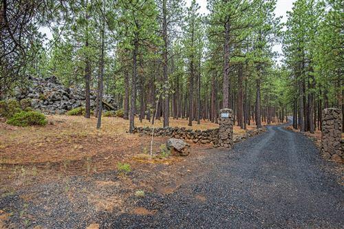 Photo of 68029 Knik Road, Sisters, OR 97759 (MLS # 220128435)