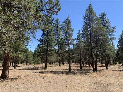 Photo of 16837 Golden Stone Drive, Sisters, OR 97759 (MLS # 201811453)