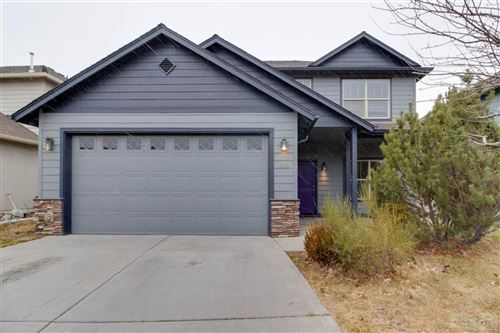 Photo of 664 SE Glengarry Place, Bend, OR 97702 (MLS # 201910466)