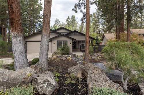 Photo of 1910 NW Newport Hills Drive, Bend, OR 97703 (MLS # 220132466)