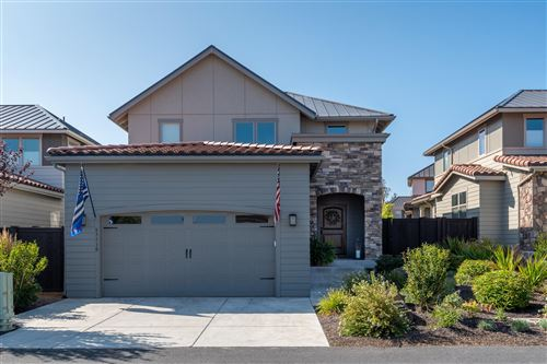 Photo of 63110 NW Via Cambria, Bend, OR 97703 (MLS # 220109472)