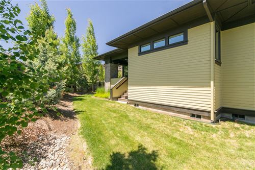 Tiny photo for 2306 NW Floyd Lane, Bend, OR 97703 (MLS # 201905474)