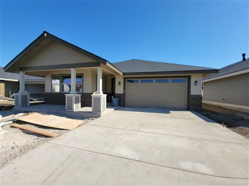 Photo of 2725 NW 25th Street, Redmond, OR 97756 (MLS # 220101480)