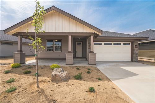 Photo of 2724 NW 25th Street, Redmond, OR 97756 (MLS # 220101484)