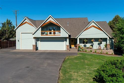 Photo of 3916 SW Timber Avenue, Redmond, OR 97756 (MLS # 220126495)