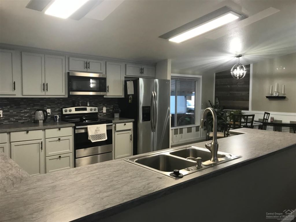 Photo for 1001 SE 15th #79, Bend, OR 97702 (MLS # 201905495)