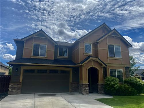 Photo of 740 NW 28th Street, Redmond, OR 97756 (MLS # 220123496)