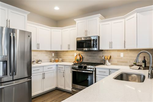 Photo of 1607 NW Upas Place, Redmond, OR 97756 (MLS # 220133513)
