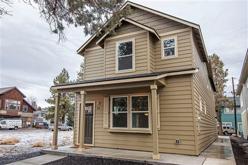 Photo of 374 W Washington Avenue, Sisters, OR 97759 (MLS # 220114515)