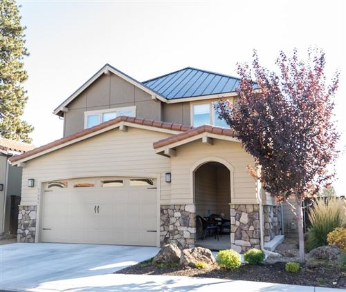 Photo of 63093 NW VIA CAMBRIA, Bend, OR 97703 (MLS # 220133530)