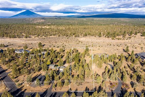 Photo of 17630 Mountain View Road, Sisters, OR 97759 (MLS # 220130534)