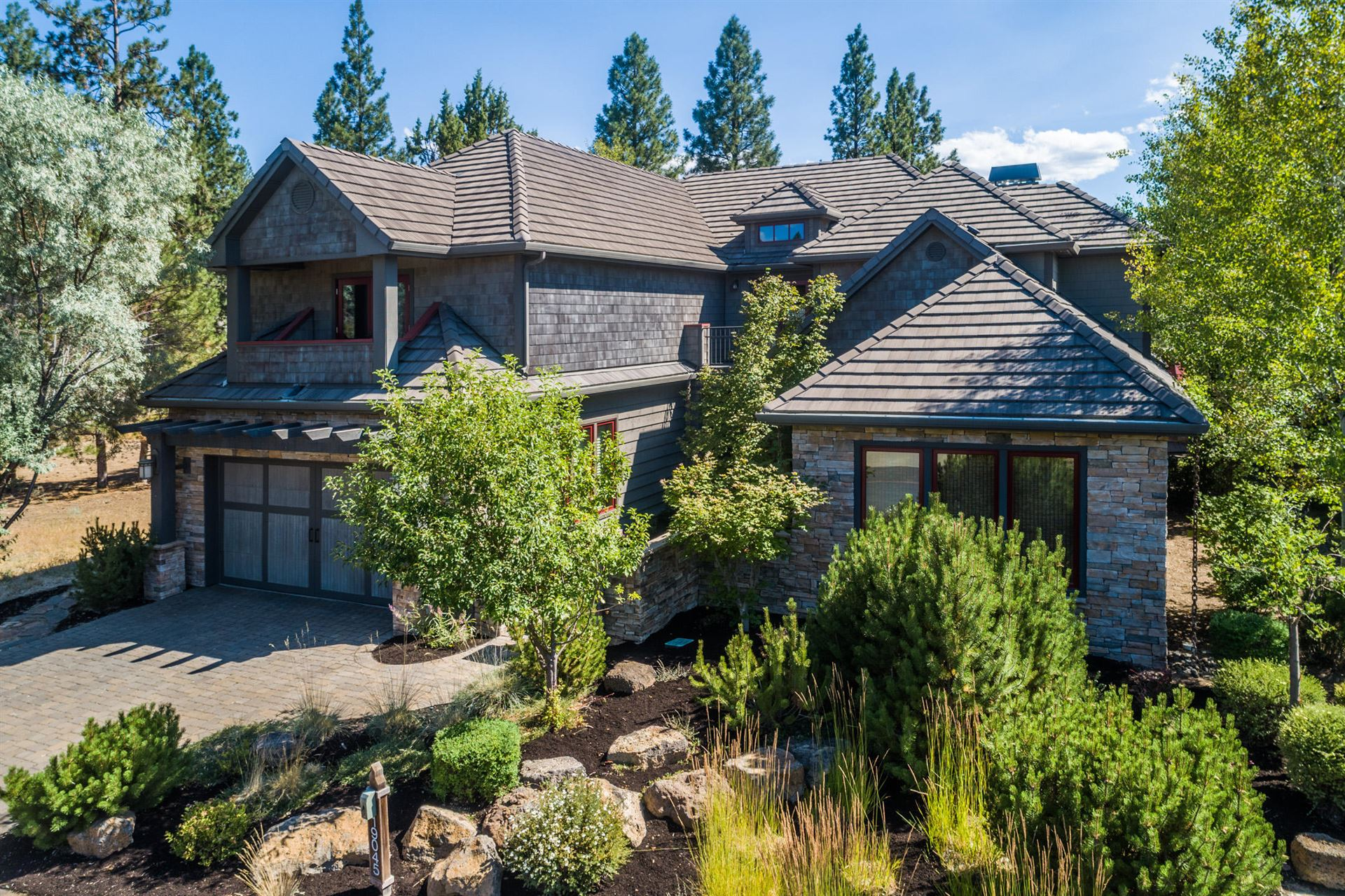 Photo for 19045 Mt Shasta Drive, Bend, OR 97703 (MLS # 220106537)
