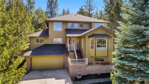 Photo of 1207 NW Foxwood Place, Bend, OR 97703 (MLS # 220120541)