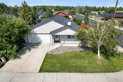 Photo of 2915 SW 24th Court, Redmond, OR 97756 (MLS # 220128547)