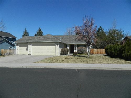 Photo of 1625 NW Spruce Avenue, Redmond, OR 97756 (MLS # 220120548)