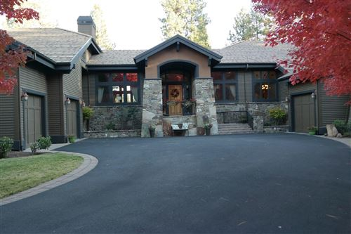 Photo of 61858 Bunker Hill Court, Bend, OR 97702 (MLS # 220125550)
