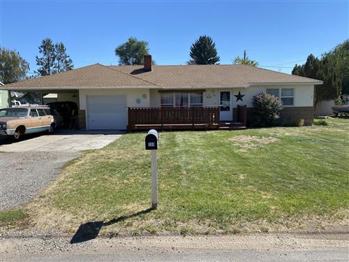 Photo of 760 SE Fairview Street, Prineville, OR 97754 (MLS # 220109555)