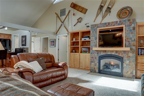 Photo of 57400 Summit View Drive, Sunriver, OR 97707 (MLS # 220116575)