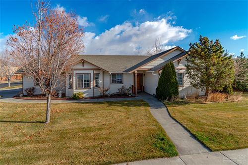 Photo of 2538 NW 15th Street, Redmond, OR 97756 (MLS # 201910586)