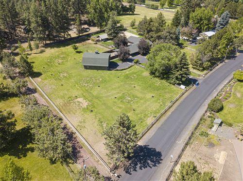 Photo of 20139 Glen Vista, Bend, OR 97703 (MLS # 202002586)