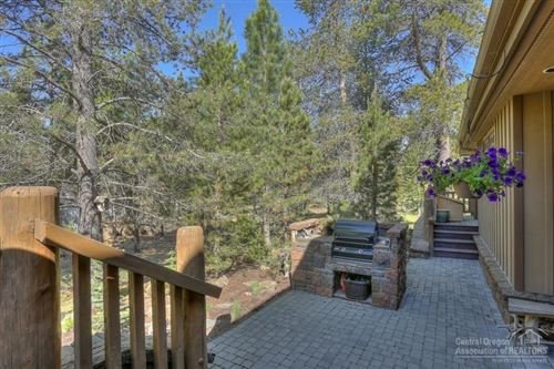 Tiny photo for 6 Shamrock Lane, Sunriver, OR 97707 (MLS # 201805588)