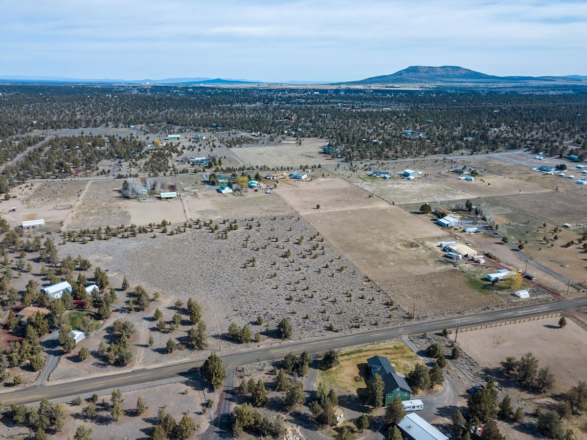 Photo of 0 SW Sparrow Drive, Terrebonne, OR 97760 (MLS # 220120594)