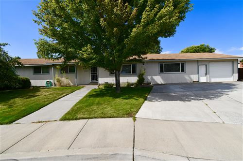 Photo of 1445 NW 19th Court, Redmond, OR 97756 (MLS # 220131595)