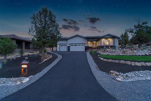 Photo of 1203 Highland View Loop, Redmond, OR 97756 (MLS # 220128597)