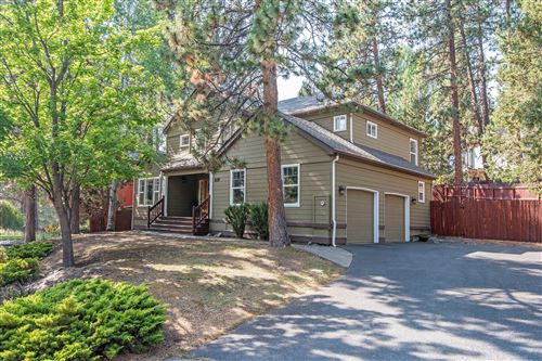 Photo of 629 NW Sean Court, Bend, OR 97703 (MLS # 220109600)