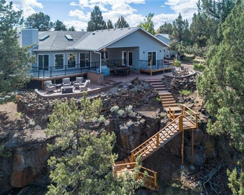 Photo of 8090 NW Grubstake Way, Redmond, OR 97756 (MLS # 220119610)
