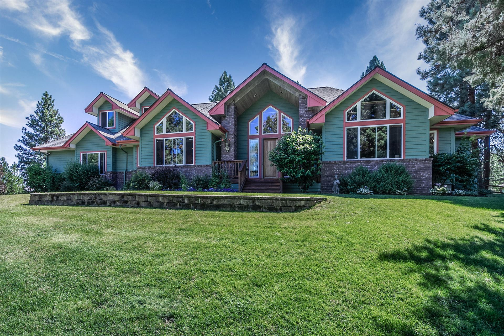 Photo for 20235 Hardy Road, Bend, OR 97703 (MLS # 220106614)