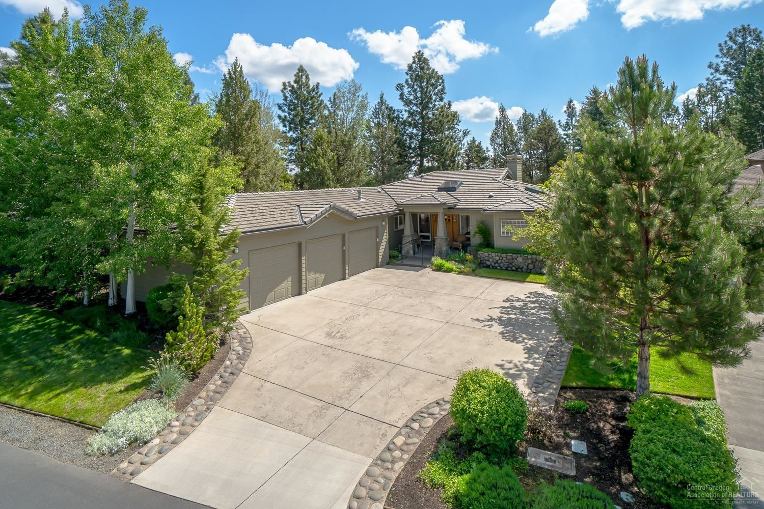 Photo for 3094 NW Clubhouse Drive, Bend, OR 97703 (MLS # 201908615)