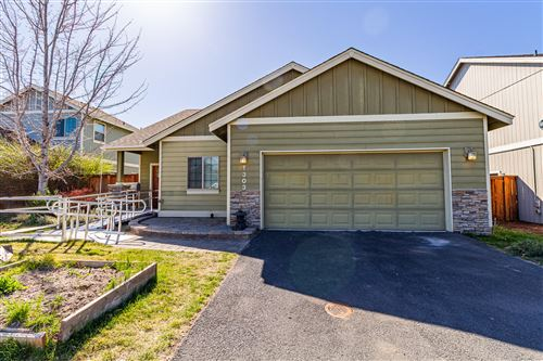 Photo of 1303 NW 18th Street, Redmond, OR 97756 (MLS # 220120616)