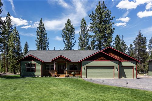 Photo of 885 Chapman Street, Gilchrist, OR 97737 (MLS # 220103627)