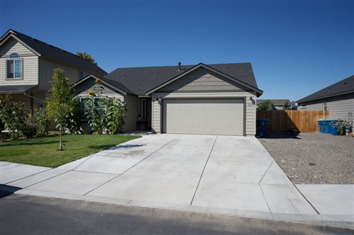 Photo of 1133 NW Redwood Place, Redmond, OR 97756 (MLS # 220130632)