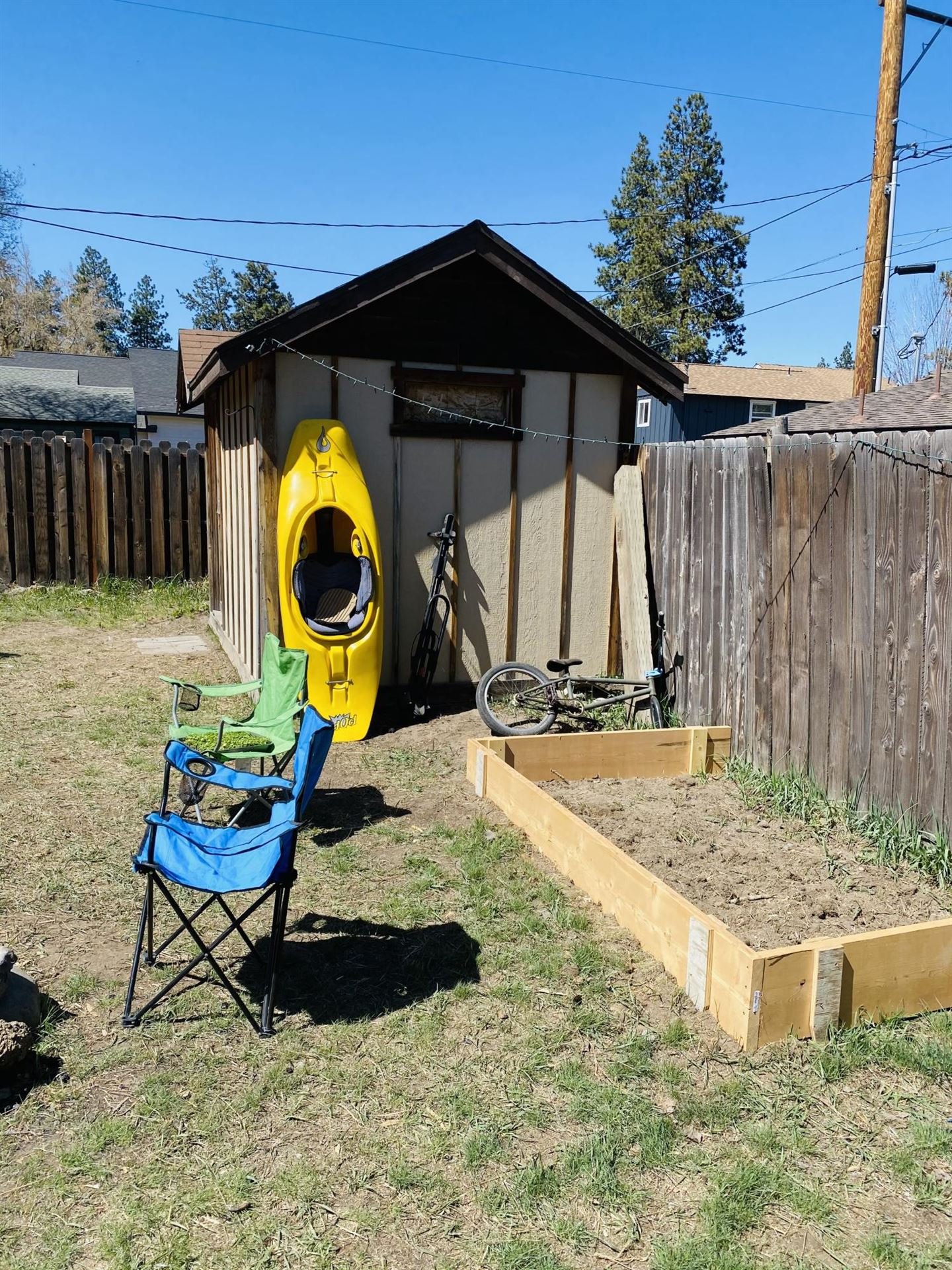 Photo of 1390 NW Cumberland Avenue, Bend, OR 97703 (MLS # 220120635)