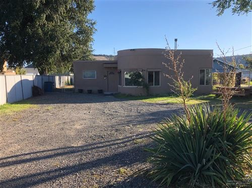 Photo of 560 NW 2nd Street, Prineville, OR 97754 (MLS # 201909636)