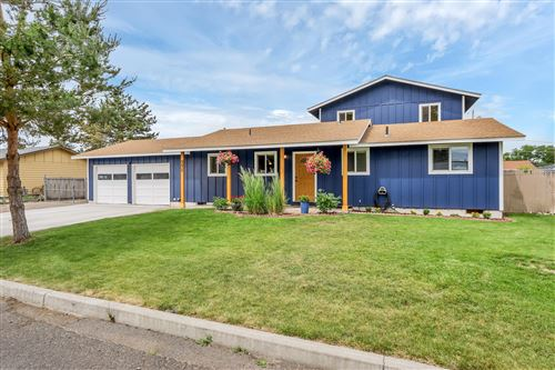 Photo of 551 SE Holly Street, Prineville, OR 97754 (MLS # 220103636)