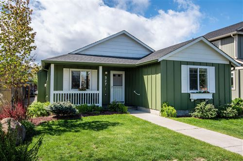 Photo of 327 E Black Butte Avenue, Sisters, OR 97759 (MLS # 220101641)