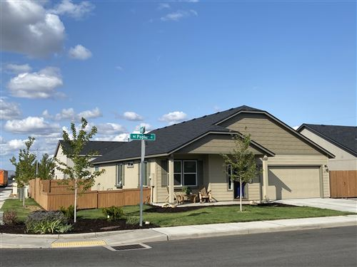 Photo of 415 NE Poplar Lane, Redmond, OR 97756 (MLS # 220109641)