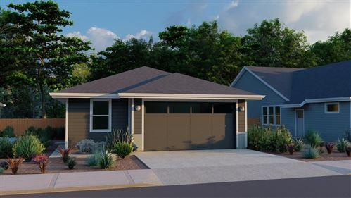 Photo of 4026 SW Coyote Avenue, Redmond, OR 97756 (MLS # 220128650)